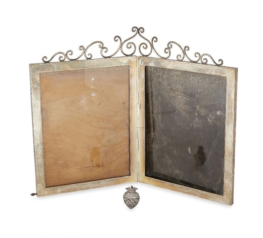 RoseberysAn Edwardian silver folding photograph frame