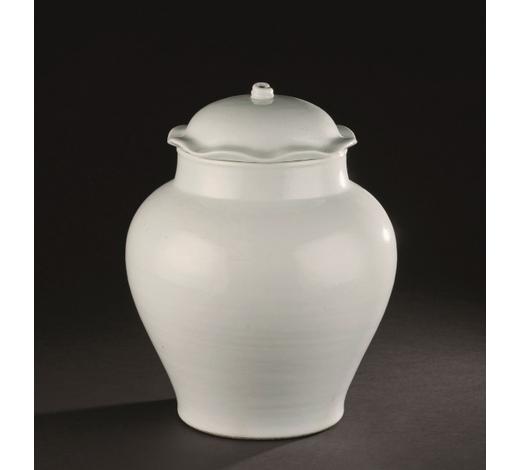 日本横滨国际清乾隆 白釉荷叶盖罐