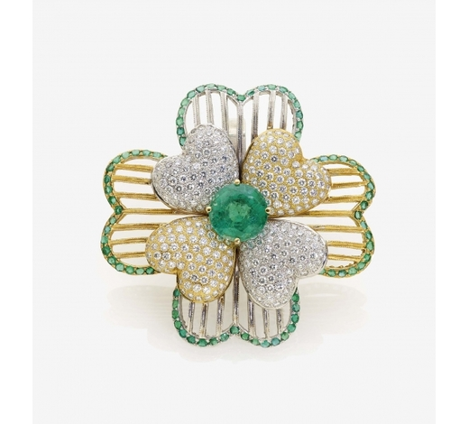Neumeister Munchener KunstauktionshausA MODIFIED FLORAL COCKTAIL RING SET WITH EMERALDS AND DIAMONDS