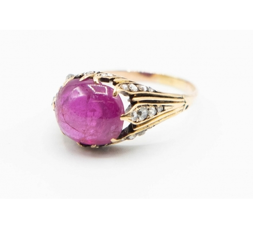 Elstob & ElstobA BURMESE PINK SAPPHIRE AND DIAMOND RING