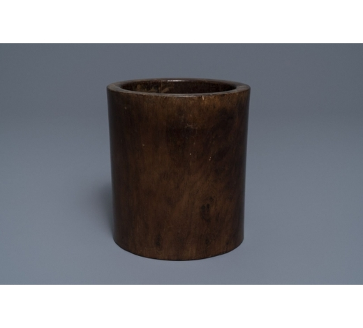 Rob Michiels AuctionsA Chinese huanghuali wood brush pot, 18/19th C.
