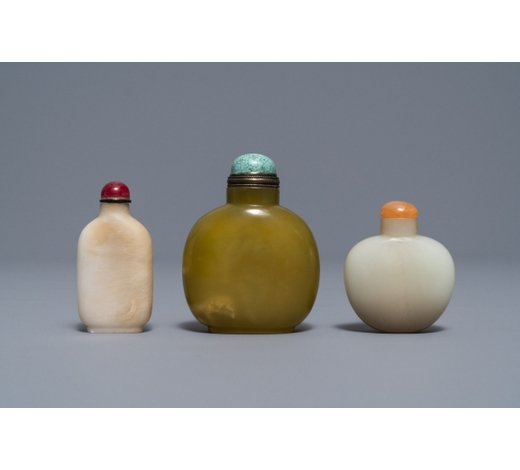 Rob Michiels AuctionsThree Chinese jade snuff bottles, 18/19th C.
