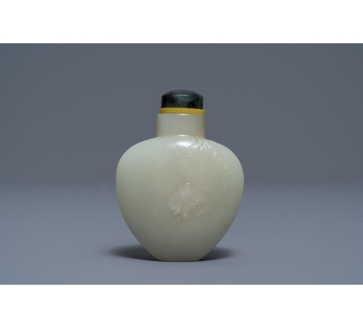 Rob Michiels AuctionsA Chinese pale celadon jade snuff bottle, 19th C.