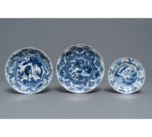 Rob Michiels AuctionsThree Chinese blue and white kraak porcelain plates, Wanli