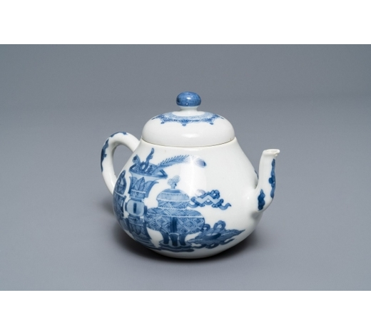 Rob Michiels AuctionsA Chinese blue and white teapot and cover with antiquities, Jiajing mark, Kangxi