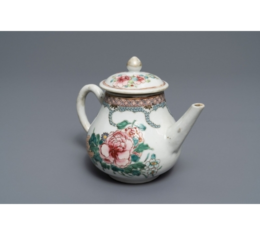 Rob Michiels AuctionsA Chinese famille rose teapot and cover with fine floral design, Yongzheng
