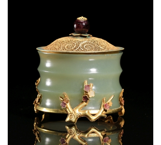 New Castle Art & Antique GalleryCHINESE PURE GOLD JADE LIDDED CENSER