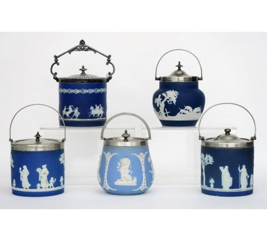 DVC5 antique biscuitboxes in marked Wegdwood porcelain