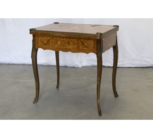 DVC'antique' games-table in marquetry with mountings in bronze