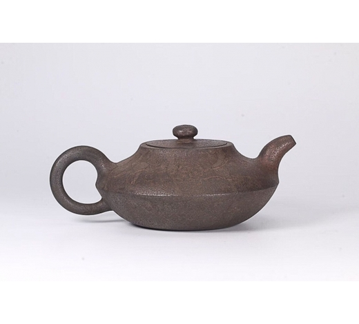 Empire Auction HouseA CHINESE VERSE DESIGN PURPLE CLAY TEAPOT