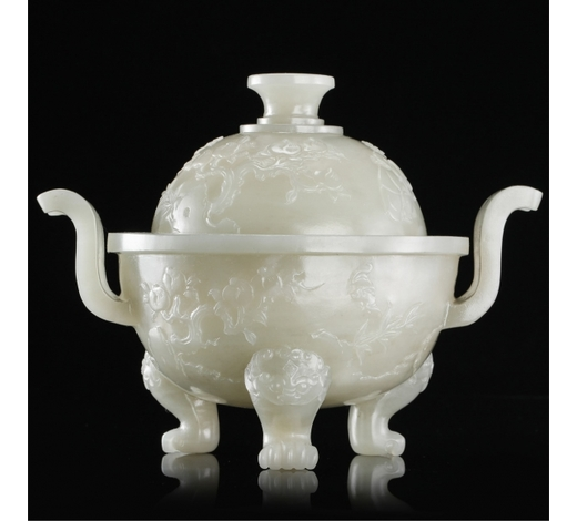 New Castle Art & Antique GalleryCHINESE NEPHRITE JADE LIDDED TRIPLE FEET CENSER
