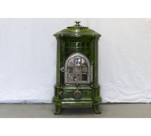 DVCsmall 1900's stove in enamelled cast iron - marked N. Martin