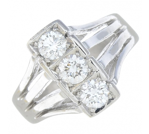 FellowsA diamond dress ring