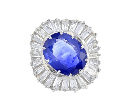 FellowsA sapphire and diamond dress ring