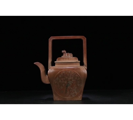 Empire Auction House17-19TH CENTURY, A FLORAL AND BIRD PATTERN LIFTING-HANDLE TEAPOT, QING DYNASTY