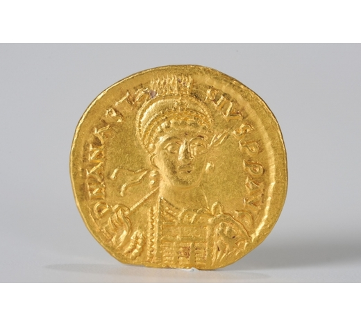 Clearmont AuctionsWESTERN STYLE GOLD COIN