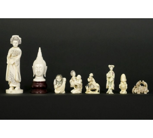 DVCeight small Chinese sculptures in ivory