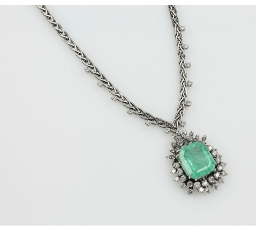 Henry's14 kt gold necklace with emerald and diamonds
