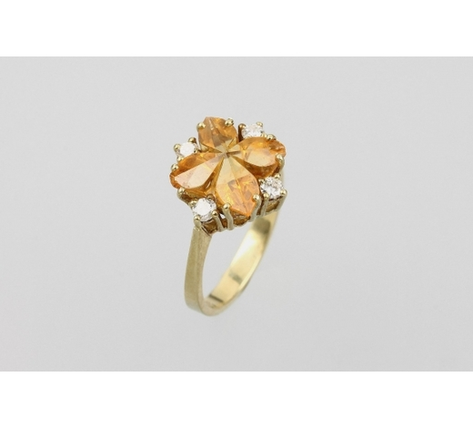 Henry's14 kt gold ring with citrine and brilliants