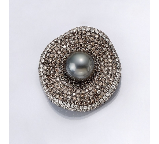 Henry's18 kt gold brooch with pearl and diamonds