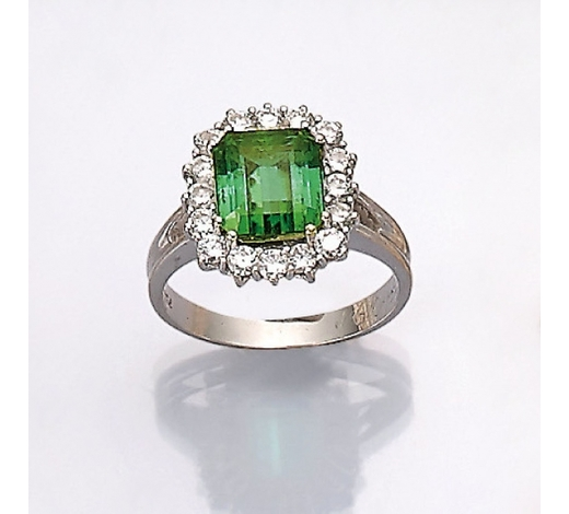 Henry's18 kt gold ring with tourmaline and brilliants