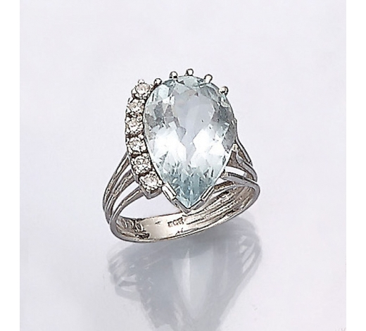 Henry's14 kt gold ring with aquamarine and diamonds
