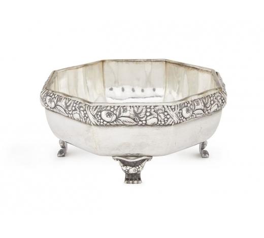 RoseberysA German 800 fineness silver bowl