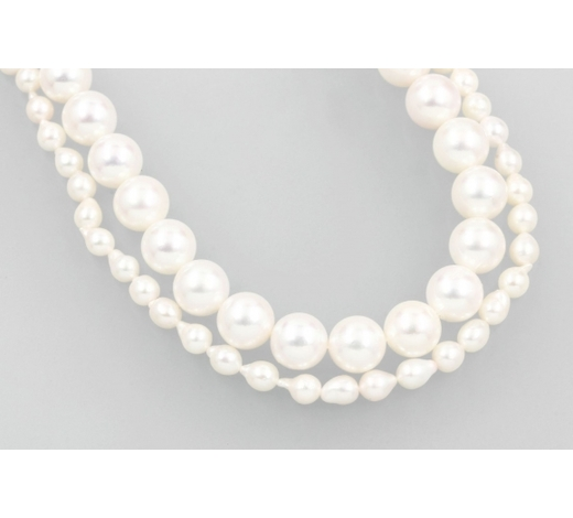 Henry'sLot 2 cultured akoya pearl strands