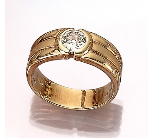 Henry's14 kt gold gents ring with diamond