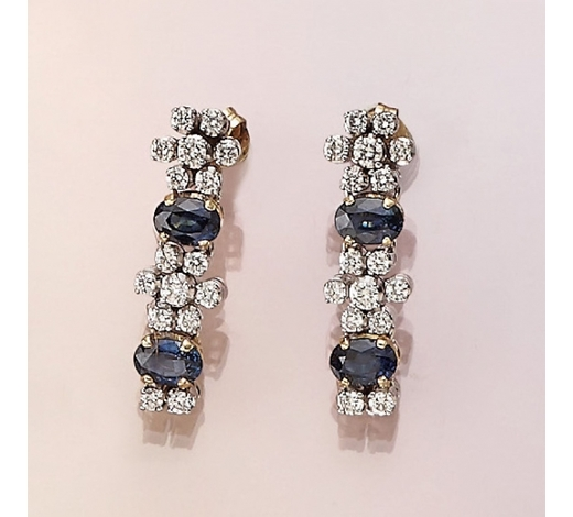 Henry'sPair of 14 kt gold earrings with brilliants and sapphires