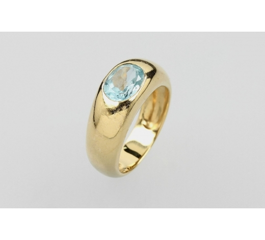 Henry's14 kt gold ring with blue topaz