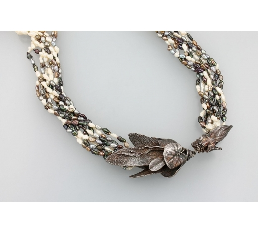 Henry'sNecklace with cultured fresh water pearls