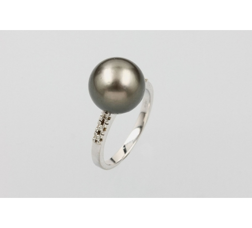Henry's14 kt gold ring with cultured tahitian pearl and brilliants