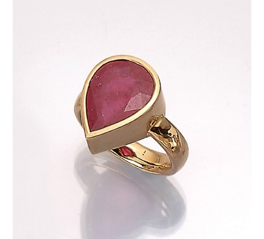 Henry's18 kt gold ring with ruby