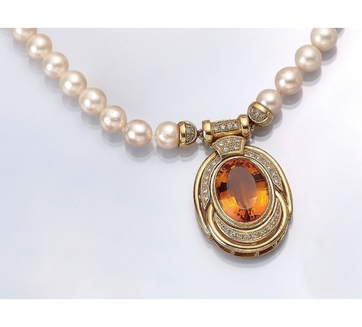 Henry'sExtraordinary 18 kt gold necklace with citrine