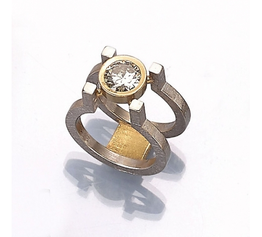 Henry's18 kt gold designerring with brilliant