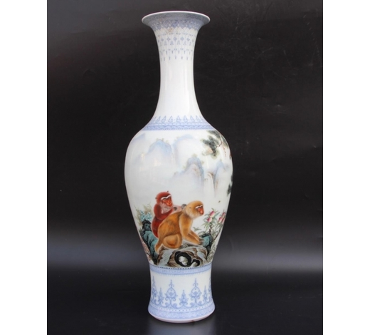 Galaxy Auction IncWang Kunrong Famille Rose Vase