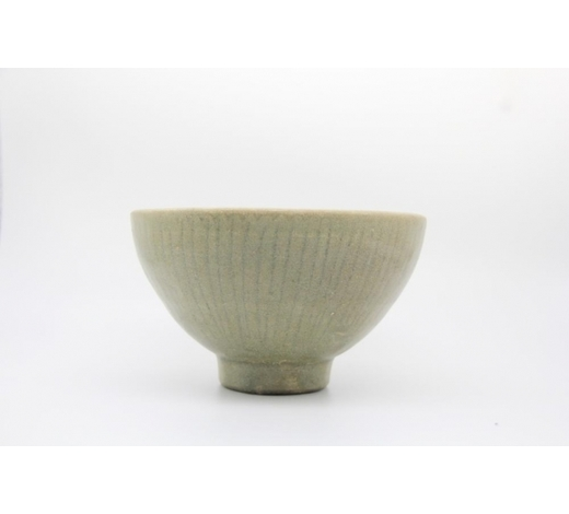Galaxy Auction IncA Yue-Type Carved Bowl