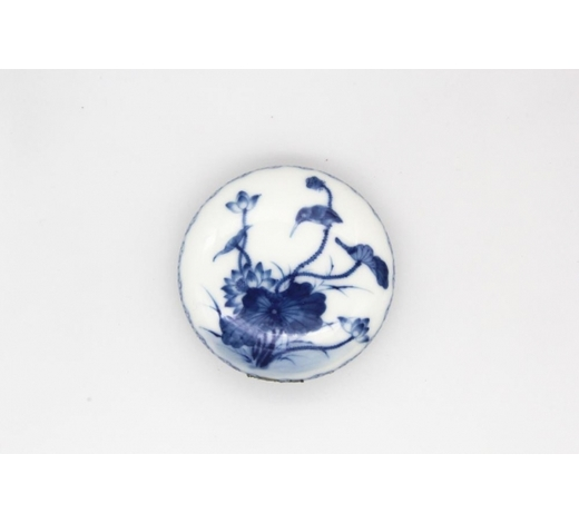 Galaxy Auction IncQianlong Marked 'Lotus And Bird' Seal Paste Box