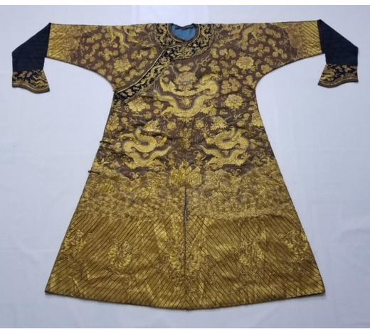 Galaxy Auction IncCHINESE GOLD SILK EMBROIDERY DRAGON IMPERIAL ROBE