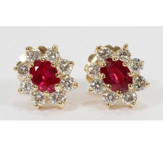 DuMouchelles   RUBY, DIAMONDS, GOLD STUD EARRINGS