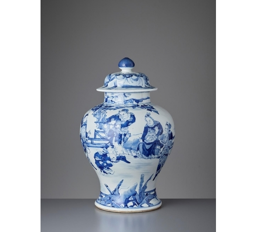 Galerie ZackeA BLUE AND WHITE BALUSTER JAR AND COVER, QING