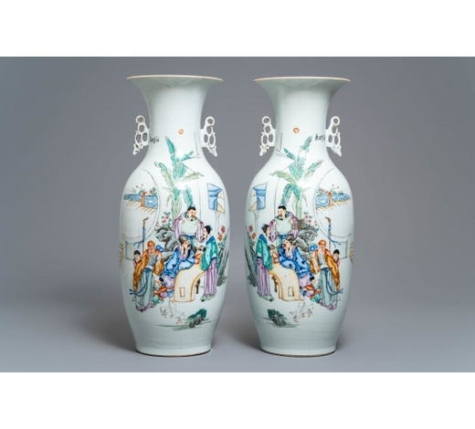 Rob Michiels AuctionsA pair of Chinese famille rose vases with scholars in a garden, 19/20th C.