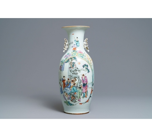 Rob Michiels AuctionsA fine Chinese famille rose two-sided design vase, 19/20th C.