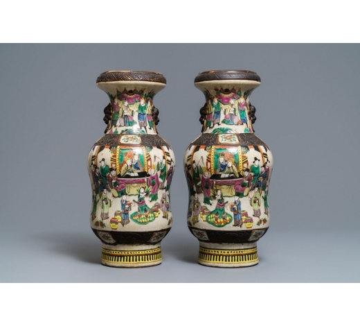 Rob Michiels AuctionsA pair of Chinese Nanking famille rose vases, 19th C.