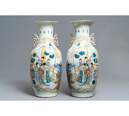 Rob Michiels AuctionsA pair of Chinese famille rose vases with ladies playing music, 19/20th C.