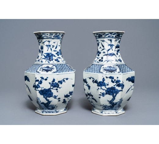 Rob Michiels AuctionsA pair of Chinese blue and white octagonal 'Three friends of winter' vases, 19th C.
