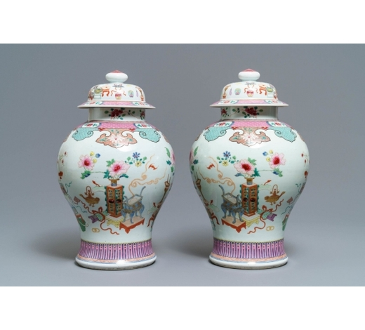 Rob Michiels AuctionsA pair of Chinese famille rose vases and covers with antiquities design, 18/19th C.