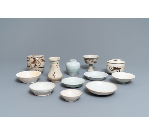 Rob Michiels AuctionsA collection of 12 Chinese Cizhou & qingbai wares, Song, Yuan and later