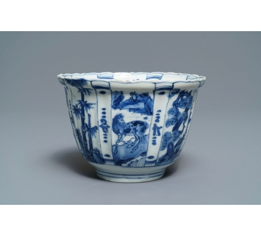 Rob Michiels AuctionsA Chinese blue and white crow cup, Wanli